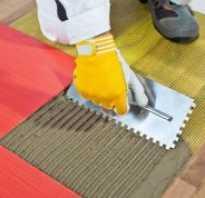 Можно ли класть плитку на деревянный пол?